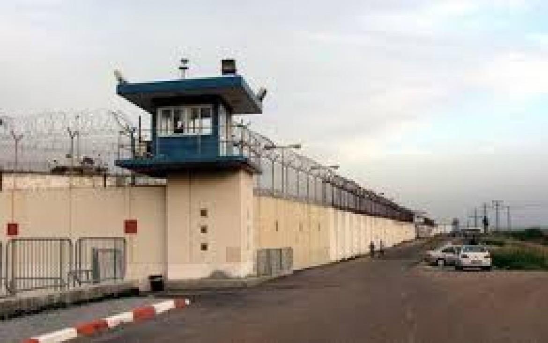 تركيب هواتف عمومية في سجن الدامون