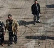 الاحتلال يقرر منع أسرى حماس في غزة من زيارة ذويهم