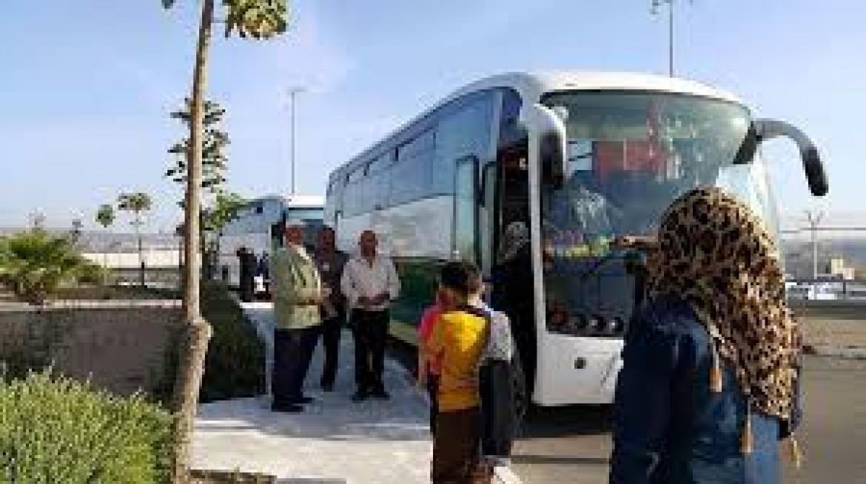 أهالي أسرى القدس يزورون أبنائهم بسجن نفحة