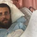 عائلة القيق محمد لم يتجاوب مع المتواجدين في غرفته بالمستشفى منذ الصباح