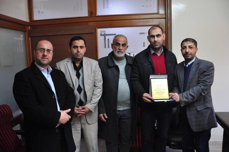 إدارة إذاعة صوت الأسرى و وفد مؤسسة مهجة القدس للشهداء والأسرى