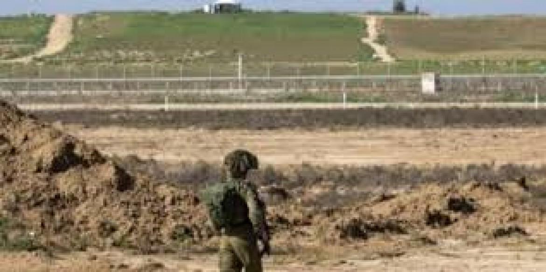 الاحتلال يعلن اعتقاله لفلسطيني قرب السياج جنوبي القطاع