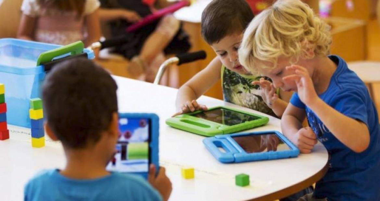 الأطفال والتكنولوجيا