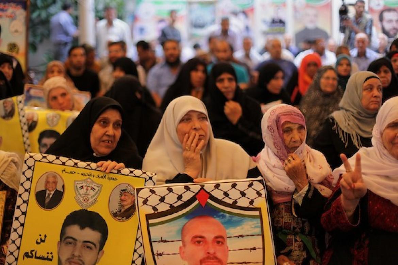 تعليق الاعتصام الاسبوعي لأهالي الأسرى في غزة