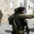 الاحتلال يسلم عدة شبان استدعاءات للتحقيق بالقدس