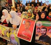 صور:اعتصام اهالى الاسرى امام مقر الصليب الاحمر بمدينة غزة2016/3/7