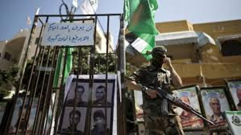 نتنياهو يطلب مساعدة مارك بينس لاستعادة الجنود الأسرى بغزة