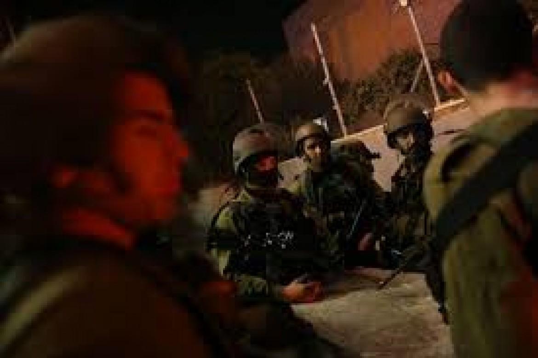 حملة اعتقالات واسعة تطال 22 مواطنًا في قصرة