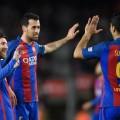 لاعبو برشلونة يحتفلون بتسجيل أحد الأهداف