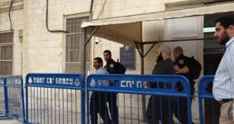 الاحتلال يحكم على أسيرين شقيقين من الخليل بالمؤبد
