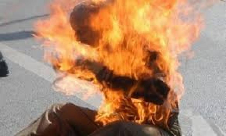 أسير يضرم النار بمعتقل نفحة