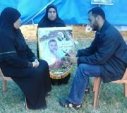 طاقم إذاعة الأسرى خلال التغطية المباشرة لفعاليات خيمة التضامن على أرض السرايا - غزة خلال أيام الإضراب
